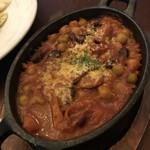 mitsuboshiyatai - チョリソーといろいろな豆のトマト煮