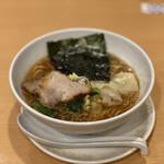桃李路 - 醤油ラーメン 850円