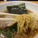 桃李路 - 醤油ラーメン 850円 (リフト)