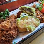 やさい家 咲くゑ - 鳥取若鶏のグリル温野菜添え/トロメカジキのフライ&ホタテ貝柱フライ(咲くゑの日替わりランチ)