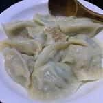 中国料理 聚宝 - 料理写真:豚肉三鮮水餃子@630