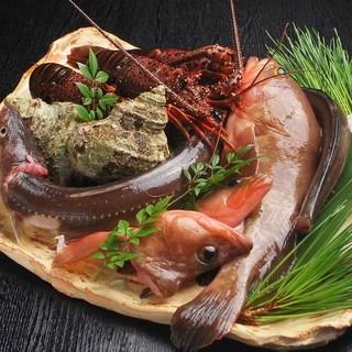 瀬戸の旬の鮮魚で創る彩り豊かなお料理をお愉しみ下さい。