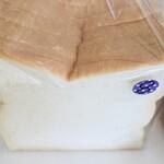 フルール・ドゥ・ペーシュ - 食パン