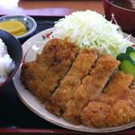 うどんと丼 ふる里 - トンカツ定食
