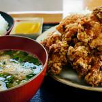 うどんと丼 ふる里 - 唐揚げ定食
