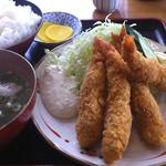 うどんと丼 ふる里 - エビフライ定食