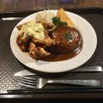 阿部食堂 - 料理写真:ハンバーグ&チキン南蛮 単品