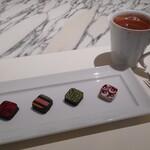 STAR JEWELRY CAFE & Chocolatier - ボンボンショコラとチョコレートドリンク