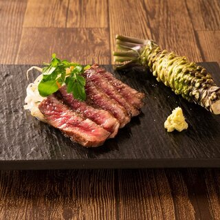 肉料理は全て宮崎県産の黒毛和牛を使用