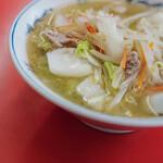 """成光 - """"湯麪(しるそば)""""、菘菜(はくさい)+糵(もやし)+胡蘿蔔絲(せりにんじんせん)+豬肉(ぶたにく)"""