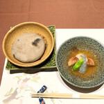 150996823 - 1品目の石焼:海老 ホタテ 椎茸 獅子唐