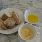 バルバラアターブル - スープ パン オリーブオイル