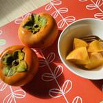 とことわ - 追熟したり、ベランダで干し柿を作ったり、柿のセミドライフルーツを作ったりして楽しみました♡