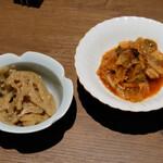 水炊き とよみつ  - 宮崎キムチ、レンコン