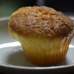 パン家のどん助 - ココナッツケーキ