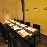 北新地 中国料理 星華 - 掘り炬燵席の他、10名様迄のテーブル席の半個室がございます。