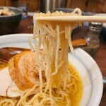 151048538 - 煮干そば 藍@神宮丸太町 煮干しそば 麺リフト