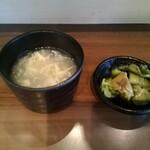 麻婆豆腐TOKYO - セルフのスープとザーサイ