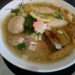 津軽煮干中華蕎麦 サムライブギー - 料理写真:鶏そば豚玉(のだ塩)1000円