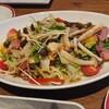 ジョリーパスタ - 料理写真:2~3人分の きのことポークパストラミのサラダ(¥759税込) ドレッシングがたっぷりかかっていました