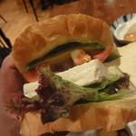 豆腐room Dy's - アボカドのヘルシー豆腐サンド