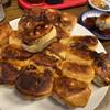 ホワイト餃子 - 料理写真:10個と8個の餃子にオマケ1個つけてくれました。