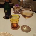 L'OSIER - ノンアルコールスパークリングで乾杯