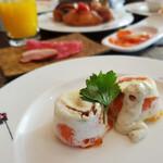 NOKA Roast & Grill - 朝食 NOKAシェフによるシグネチャーベイクドエッグ スモークサーモン トリュフクリーム