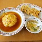 Gyouzanooushou - 餃子 + 天津飯