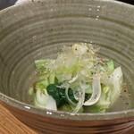 彩酒亭 洞 - チンゲン菜の塩炒め