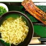 沖縄そば専門店 琉球麺 茉家 - 炙りソーキそば