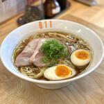 Ramen611 - ・鶏中華そば 780円/税込 ・とろ〜り味玉 100円/税込