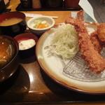 とんかつ伊勢 - 牡蠣と車海老定食