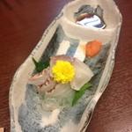 鮪 おか戸築地食堂 - 鯛の湯引き