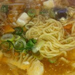 栄太呂ラーメン - 麺アップ
