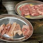 札幌ラム屋台 ジンギスカンとハイボール ラム吉 - 塩〆熟成ラム肩ロース & 鶏もも
