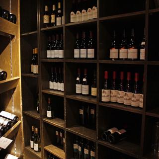 常時1000本以上のワインセラー