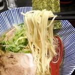 中華そば 糸 - 麺