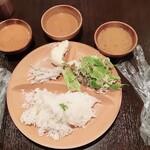 Eberesutoserufukicchin - カレー3種 サラダ ライス
