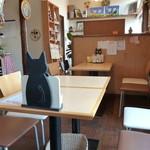 カフェ ピノ - テーブル席