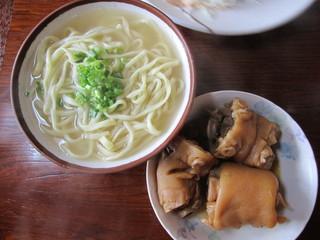 前田食堂 - てびちそば