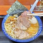 肉煮干中華そば 鈴木ラーメン店 - 柔らかいながらも肉感が有るチャーシュー