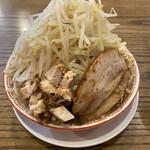 燕三条ラーメン ガッツリ軒 - 料理写真:TSUBA二郎、野菜マシ・ニンニク増し。