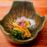 赤坂おぎ乃 - 松葉蟹 とんぶりとお酢のゼリー ほうれん草のお浸し