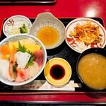 151197458 - 海鮮丼