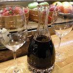 1512327 - ワインはデカンタで