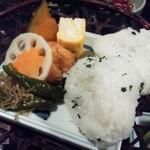 15120699 - [ランチ] 蕎麦膳のオニギリとおかず