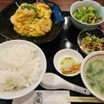 151201481 - えびトマト卵のフワフワ炒め  ¥880(税込)