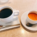 omuraisusemmonteneguron - コーヒーまあまあ。プリンは美味い。