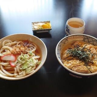 ミッキー食堂 - 料理写真:●カツ丼 700円 ●うどん 500円